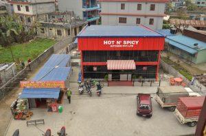 ネパールポカラのダムサイド地区飲食店雑貨店パン屋さん