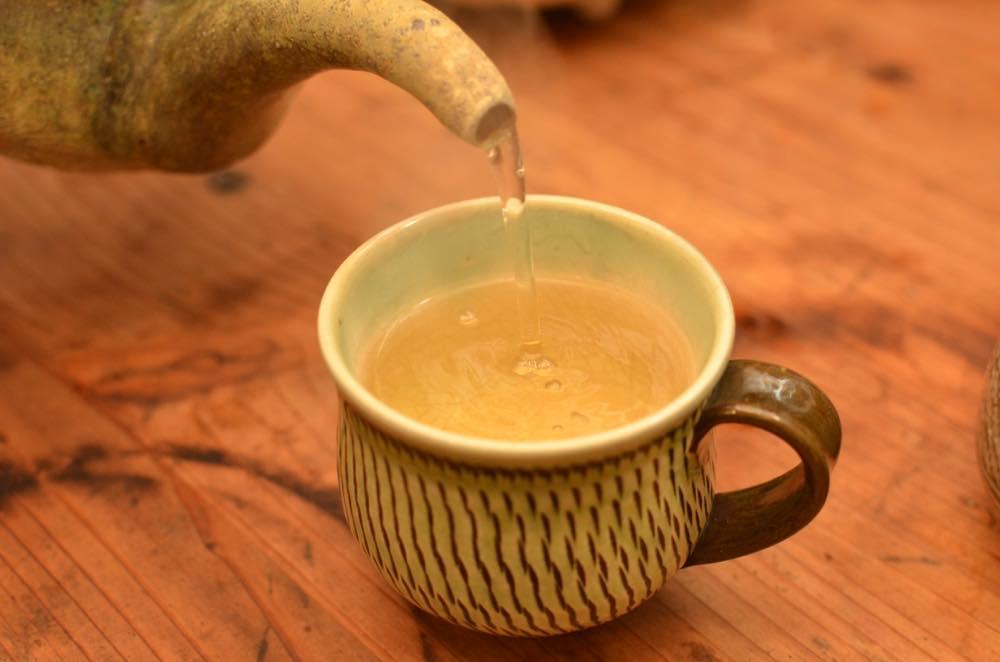 東峰村の柿の葉茶