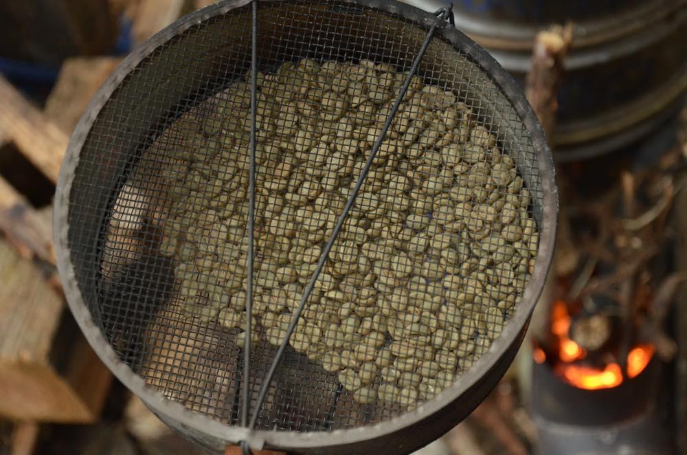 生豆から薪火焙煎コーヒー