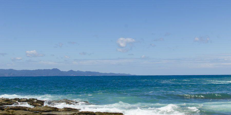 対馬赤島の海